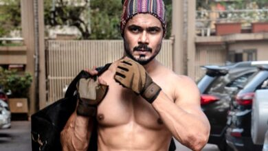 Photo of Avinash Dwivedi Height, Weight, Age, Biography, Wife & More